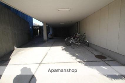 サンハイム蛍池[1DK/24m2]の駐車場