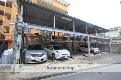 ロイヤルヒルズ待兼山[2LDK/60.5m2]の駐車場