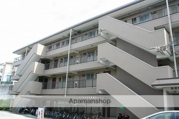 大阪府吹田市、千里山駅徒歩10分の築36年 4階建の賃貸マンション