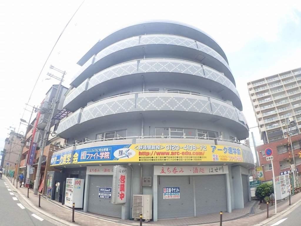 大阪府大東市、四条畷駅徒歩19分の築15年 5階建の賃貸マンション