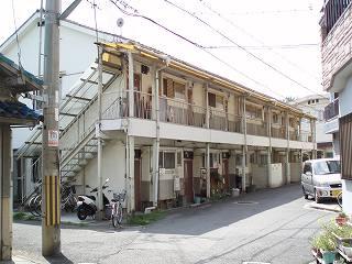 大阪府大東市、野崎駅徒歩24分の築47年 2階建の賃貸アパート