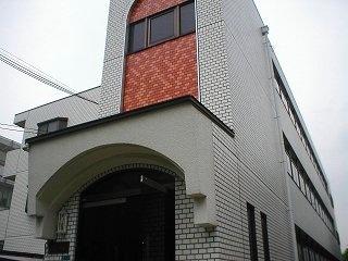 大阪府大東市、四条畷駅徒歩16分の築27年 3階建の賃貸マンション