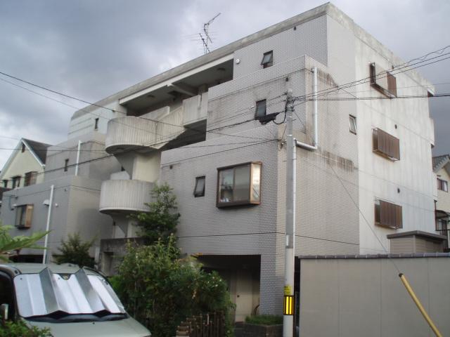 大阪府大東市、四条畷駅徒歩18分の築34年 4階建の賃貸アパート