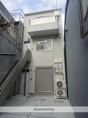 大阪府大阪市西成区、天王寺駅徒歩9分の築3年 3階建の賃貸アパート