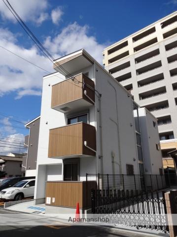 大阪府大阪市住吉区、住吉東駅徒歩9分の築2年 3階建の賃貸アパート