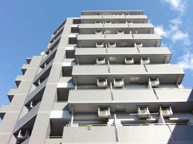 大阪府大阪市福島区、海老江駅徒歩9分の築22年 9階建の賃貸マンション