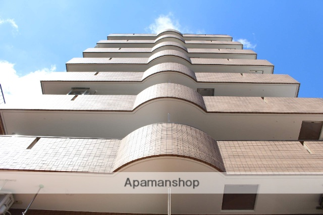 大阪府大阪市北区、中津駅徒歩18分の築22年 8階建の賃貸マンション
