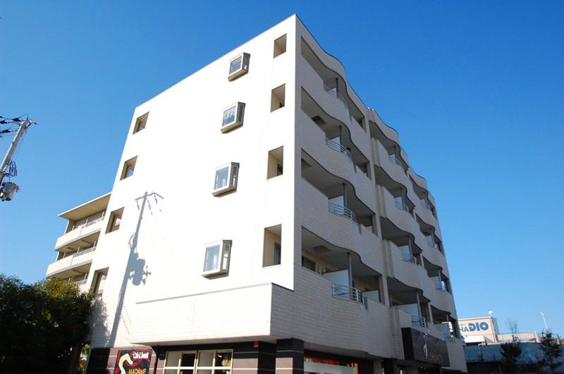 大阪府箕面市、阪大病院前駅徒歩40分の築9年 5階建の賃貸マンション