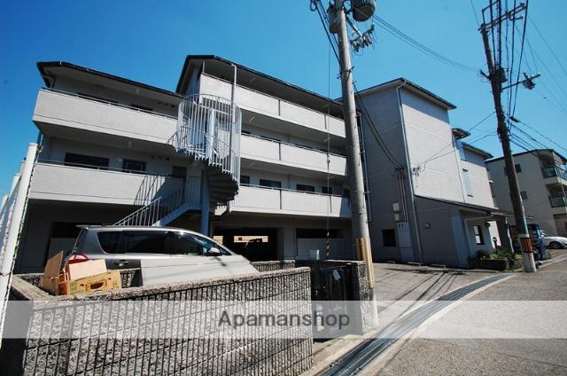 大阪府箕面市、北千里駅徒歩26分の築22年 4階建の賃貸マンション