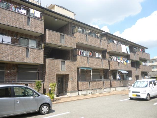 大阪府大阪市平野区、加美駅徒歩5分の築11年 3階建の賃貸アパート