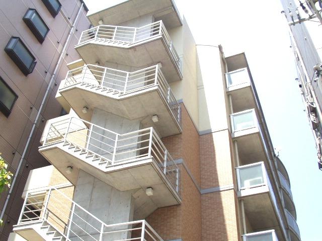 大阪府大阪市浪速区、新今宮駅徒歩5分の築15年 6階建の賃貸マンション