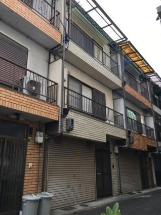 大阪府大阪市生野区、桃谷駅徒歩16分の築31年 3階建の賃貸一戸建て