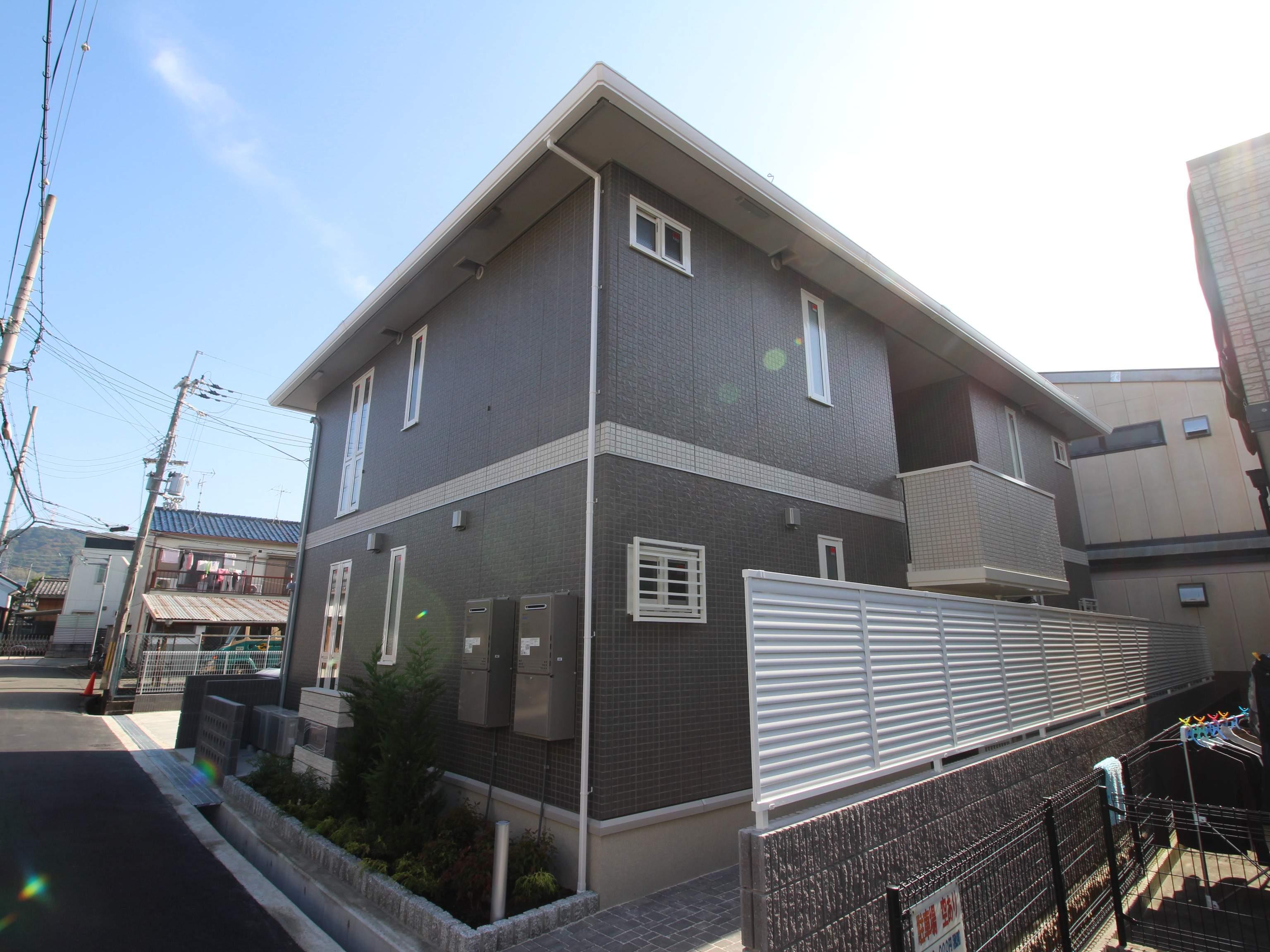 大阪府交野市、津田駅徒歩14分の新築 3階建の賃貸マンション