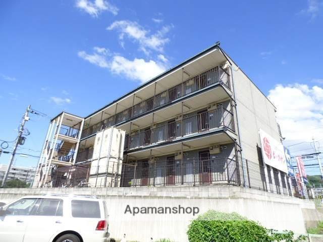 大阪府交野市、藤阪駅徒歩20分の築20年 3階建の賃貸マンション