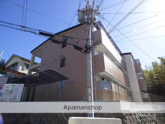 大阪府交野市、星田駅徒歩10分の築2年 3階建の賃貸マンション