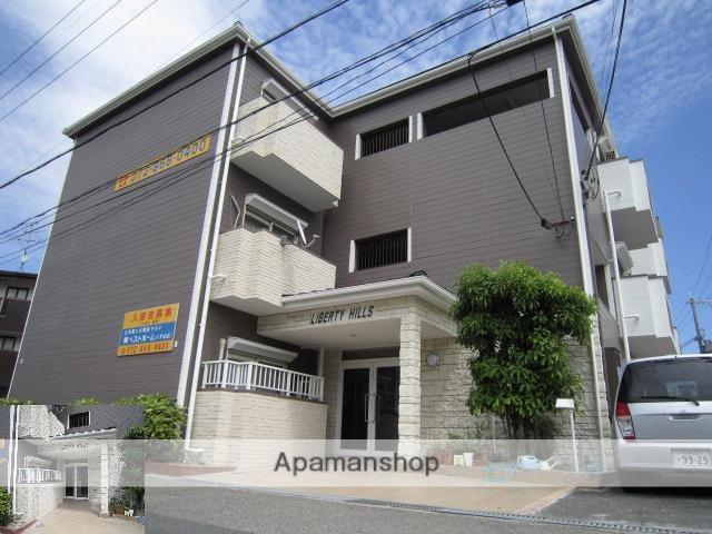 大阪府枚方市、樟葉駅徒歩27分の築27年 3階建の賃貸マンション