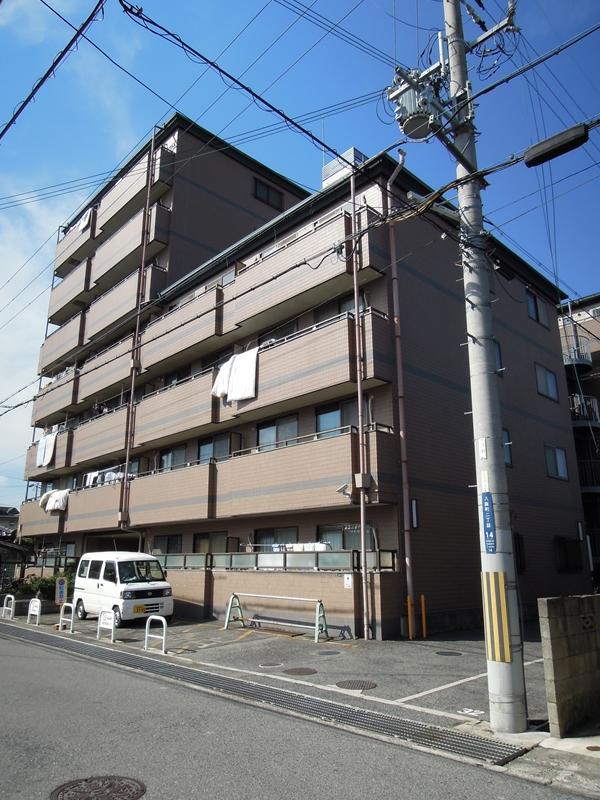 大阪府岸和田市、下松駅徒歩13分の築22年 7階建の賃貸マンション