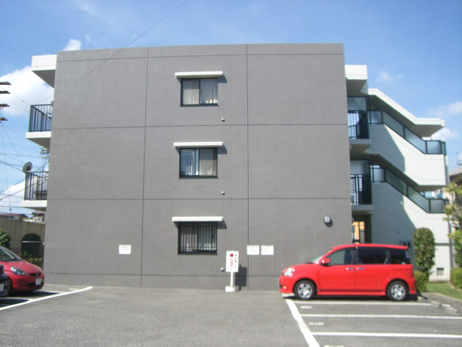 大阪府堺市東区、白鷺駅徒歩10分の築20年 3階建の賃貸マンション