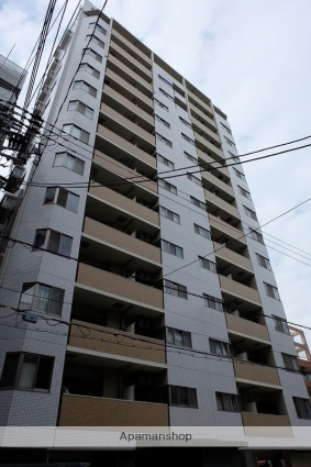 大阪府大阪市西区、心斎橋駅徒歩5分の築10年 15階建の賃貸マンション