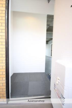 ロイヤルヒルズ待兼山[1LDK/60.5m2]の玄関