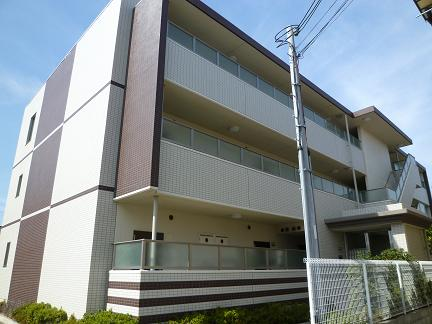 大阪府泉大津市、信太山駅徒歩20分の築7年 3階建の賃貸マンション