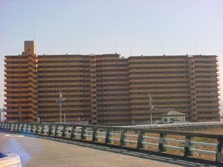 大阪府泉南市、樽井駅徒歩15分の築24年 15階建の賃貸マンション