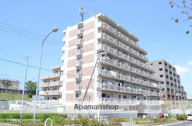 大阪府泉南市、新家駅徒歩16分の築26年 8階建の賃貸マンション