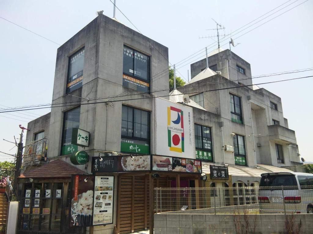 大阪府泉南郡熊取町、熊取駅徒歩18分の築28年 5階建の賃貸マンション