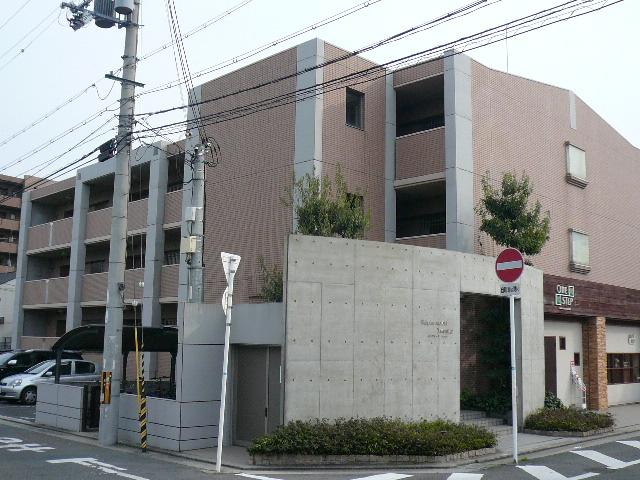 大阪府泉南郡熊取町、東佐野駅徒歩24分の築18年 3階建の賃貸マンション