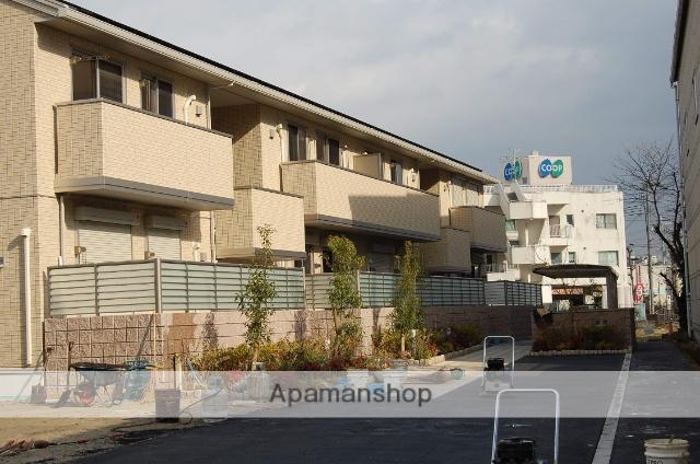 大阪府箕面市、桜井駅徒歩26分の築3年 2階建の賃貸アパート