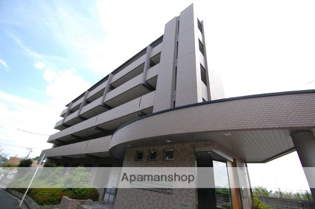 大阪府吹田市、山田駅徒歩18分の築14年 5階建の賃貸マンション