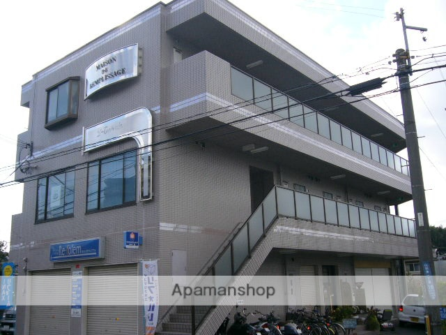 大阪府吹田市、千里丘駅徒歩20分の築22年 3階建の賃貸マンション
