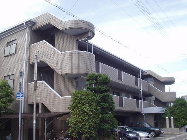兵庫県西宮市、甲子園口駅徒歩5分の築26年 4階建の賃貸マンション