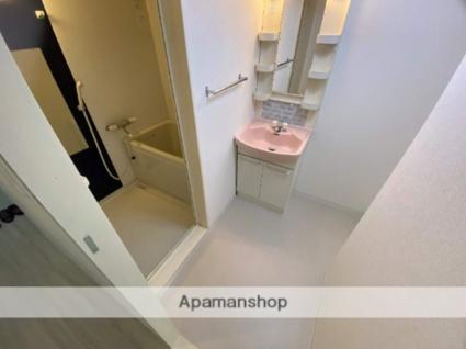 メゾンドール六万寺[3LDK/57m2]のトイレ