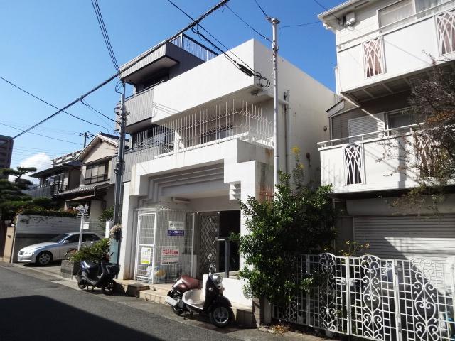 兵庫県神戸市東灘区、摂津本山駅徒歩4分の築32年 4階建の賃貸マンション