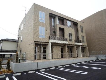 兵庫県伊丹市、稲野駅徒歩28分の築3年 3階建の賃貸アパート