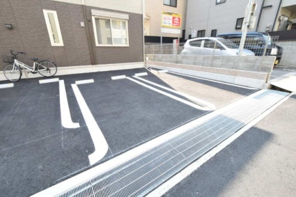 兵庫県神戸市東灘区御影中町4丁目[2LDK/93.79m2]の駐車場1