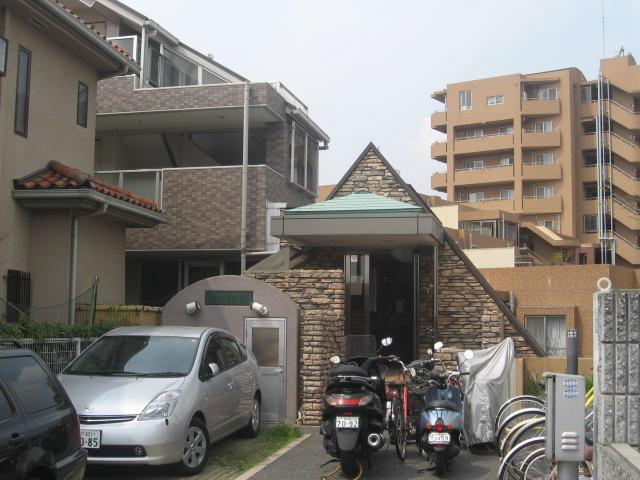 兵庫県芦屋市、芦屋駅徒歩10分の築17年 5階建の賃貸マンション