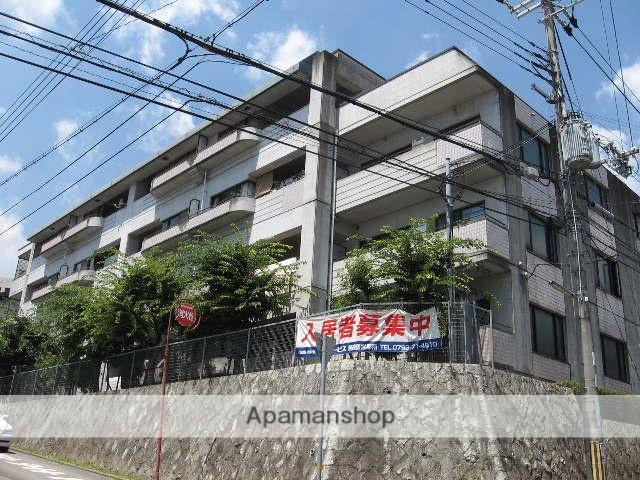 兵庫県西宮市、夙川駅徒歩24分の築29年 4階建の賃貸マンション