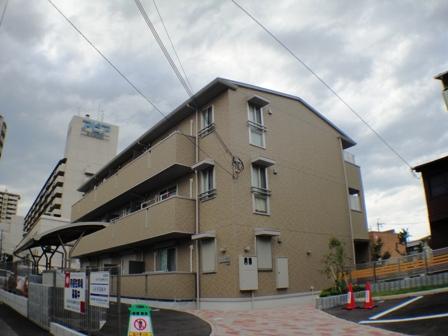 兵庫県宝塚市、小林駅徒歩19分の築6年 3階建の賃貸マンション