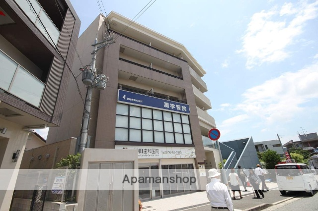 兵庫県宝塚市、中山寺駅徒歩9分の築9年 5階建の賃貸マンション