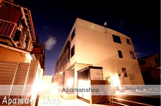 兵庫県宝塚市、川西池田駅徒歩23分の築1年 3階建の賃貸アパート