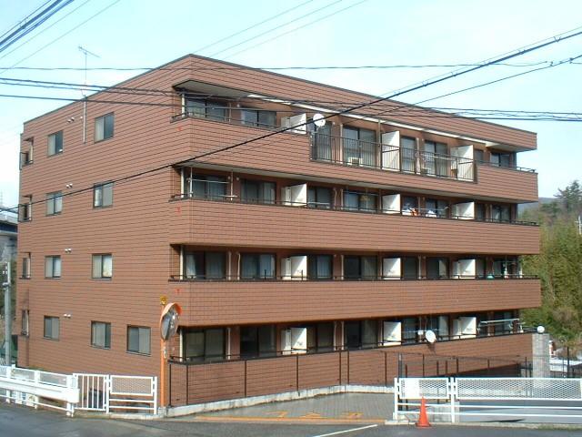 兵庫県西宮市、有馬温泉駅徒歩25分の築17年 5階建の賃貸マンション