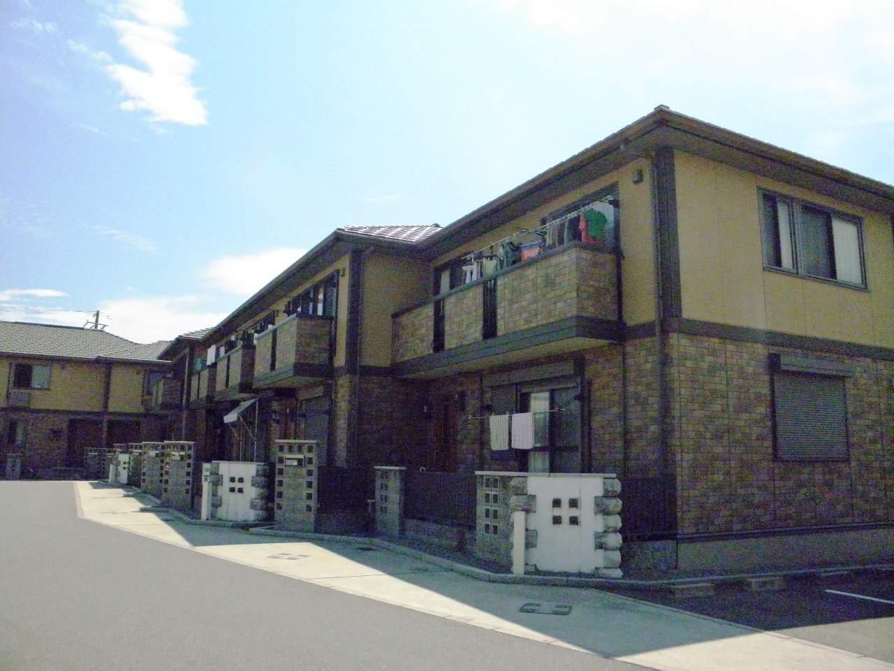 兵庫県三木市、三木駅徒歩10分の築11年 2階建の賃貸テラスハウス