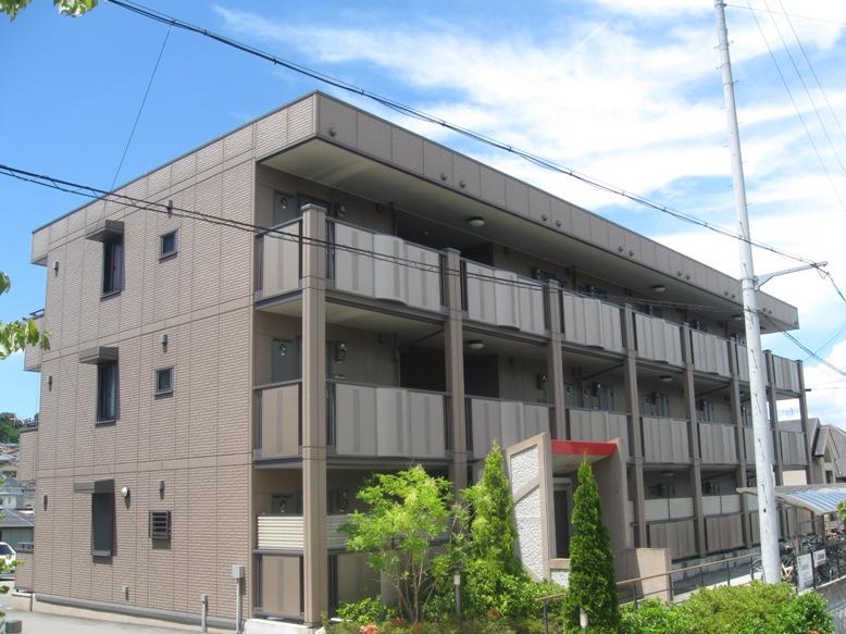 兵庫県三木市、広野ゴルフ場前駅徒歩11分の築11年 3階建の賃貸アパート