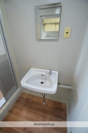 兵庫県多可郡多可町中区森本[2K/32m2]の洗面所