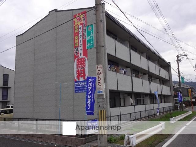 奈良県桜井市、三輪駅徒歩13分の築18年 3階建の賃貸マンション