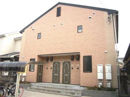 奈良県大和高田市、高田市駅徒歩10分の築9年 2階建の賃貸アパート