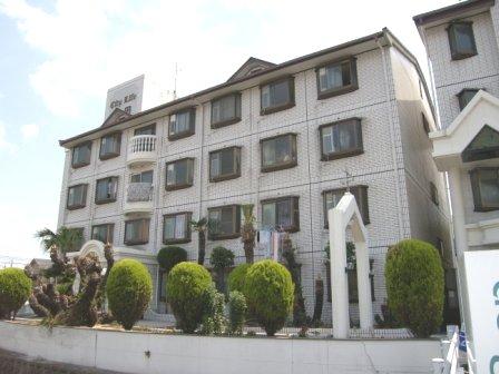 奈良県大和高田市、高田駅徒歩20分の築28年 4階建の賃貸マンション
