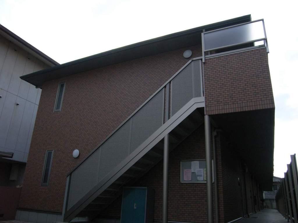 奈良県大和高田市、高田駅徒歩25分の築10年 2階建の賃貸アパート